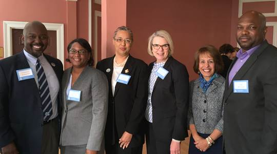 Spellings visits UNC; meets with faculty and staff representatives